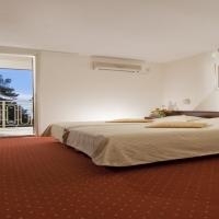 hotel-opatija-sea-view-room-02-fabijan-2013-hi